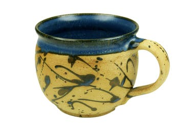 Cup bulbous effect blue with speckles pattern