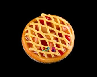 Dollhouse Miniatures Handcrafted Clay Sliced Apple in Syrup Lattice Round Tart on Aluminum Dish - 1:12 Scale