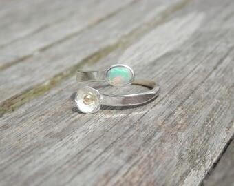 Sterling Silver ring, adjustable Ethiopian Opal facet, flower, 18 k gold ring, original, elegant ring, Elegance and Bohemian, hand made