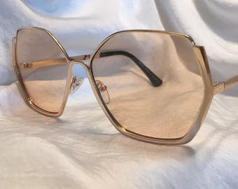 Sade peach (Gold frame)