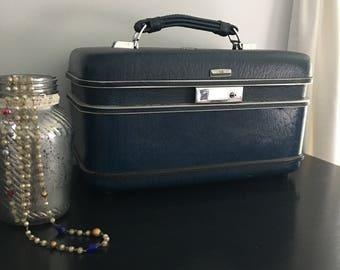 Vintage Train Case - Blue Cosmetic Case - Blue Luggage - Vintage Travel - Retro Luggage - Vintage Suitcase