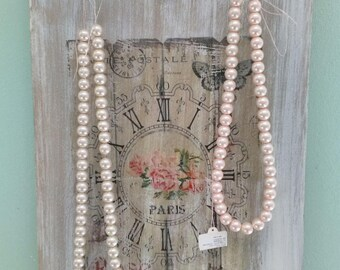Shabby wooden necklace
