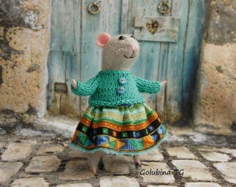 Needle felted Mouse, gray mouse Trip mouse traveler Mouse with pullover, Waldorf Mouse