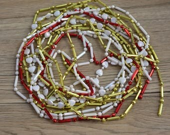 Vintage,Christmas,Garland,Faux Mercury,Plastic, Beaded,Beads,Retro Decor,Tree Decor,Miniature tree decor,White,Red,Golden