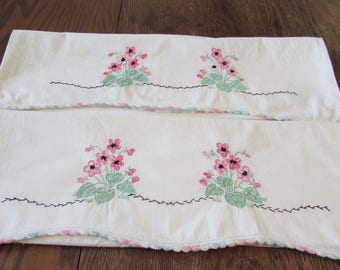 Pair Vintage Pillowcases Pink Embroidery Embroidered Floral Flowers Pillowcase Crochet Trim