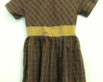 A Girl's Vintage 40/50's era,Checkered Brown MID-CENTURY Short Sleeve Dress.M