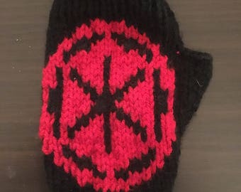 The empire fingerless gloves