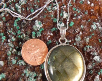 Vintage Labradorite and Sterling Pendant and Chain Necklace