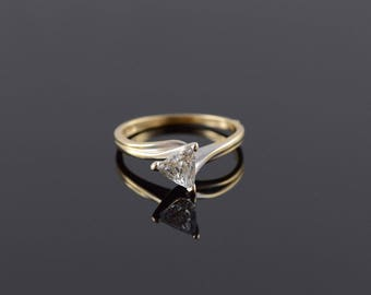 14k 0.94 CT Trilliant Diamond Solitaire Engagement Ring Gold