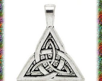 10 pendants Sidhe Celtic knot charms