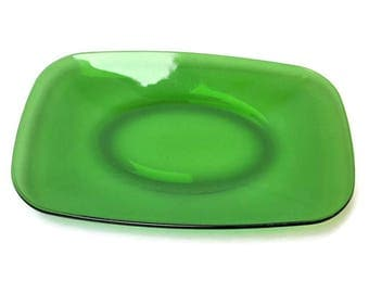 VERECO dish green, serving dish in tempered glass, table service, vintage, 70's