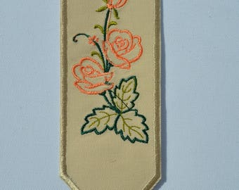 1 beige flowers bookmark