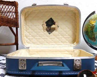 Blue suitcase - vintage 1960's suitcase - rockabilly - pop attituude - blue - 1960 luggage - style blue background - vintage