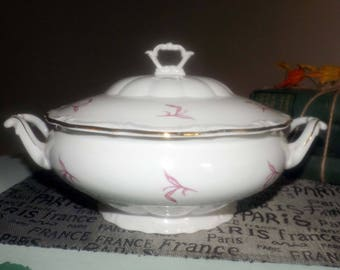 Vintage (c. mid 1960s) Walbrzych Poland covered vegetable bowl   tureen.  Pink leaves, embossed details, scalloped, gold edge.