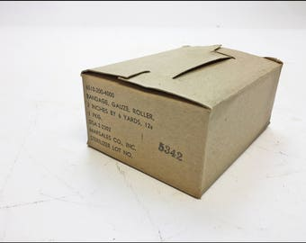 Vintage Military GAUZE BANDAGE Case us army bandage medical 12 Boxes SEALED wwii gear war cosplay steampunk costume nib unopened marsales