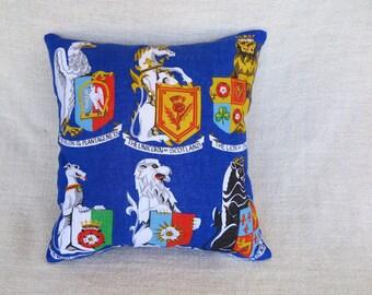 Cushion, Cushion cover, Linen cushion cover, UK cushion cover, United Kingdom cushion, Coat of arms cushion, Linen cushion, Historic theme