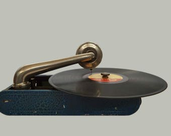 Vintage Portable Gramophone Torens, C.1935