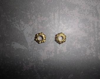 set of 02 gold metal beads