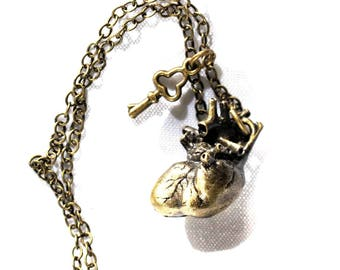 Necklace bronze anatomical heart and key steampunk skeleton skull