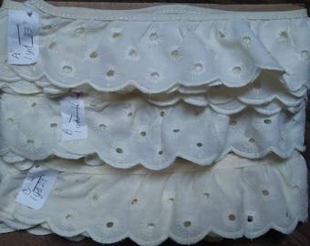 "EYELET EDGING #3, 5yds x 2"",Flowers Design,Off white,Eyelet Trim,Vintage trim,Vintage lace"
