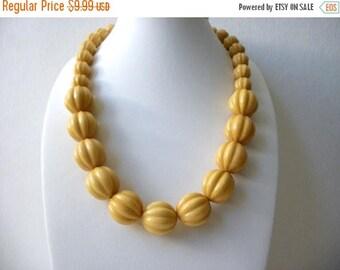 ON SALE Retro Mustard Yellow Molded Plastic Beads Graduated Design Necklace 71317