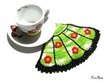 Black and Green crochet fan potholder with Red flowers, Presina ventaglio all'uncinetto nera e verde con fiori rossi