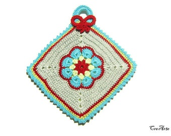 Colorful crochet potholder with afghan flower, presina colorata con fiore afgano ad uncinetto