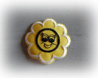 1 patch fusible patch / applique Sun yellow and white 6.2 cm