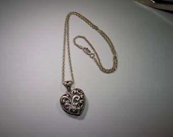 Stunning sterling silver filigree heart pendant and necklace