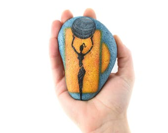 """Handpainted paperweight rock """"Saturn"""" 