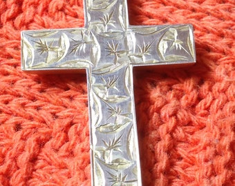 Victorian 9ct Gold Ornate Cross 2.4g Stunning