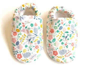 Colorful floral baby shoes, colorful floral baby booties, white floral baby shoes, floral soft sole shoes, baby shower gift