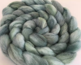 Corriedale Combed Top Roving for spinning