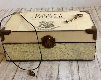Harry Potter Gift Set, Harry Potter Box and Necklace, Platform 9 3/4, Harry Potter Box, Harry Potter Jewelry, Gift for Harry Potter Fan