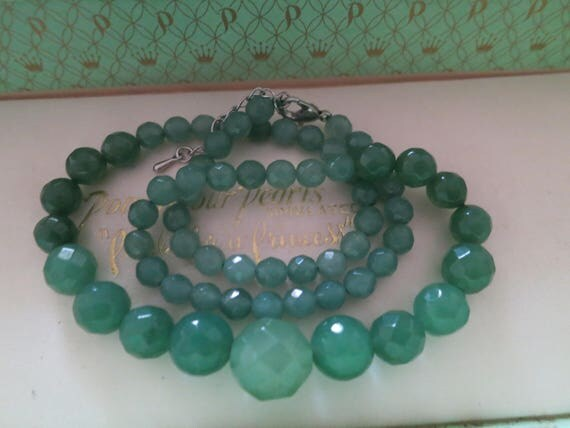 Lovely raw emerald knotted necklace 6-12mm stones 18 inches long