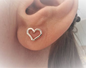 Silver heart stud earrings - Small heart studs - Tiny sterling silver 925 heart studs - Silver wire heart posts