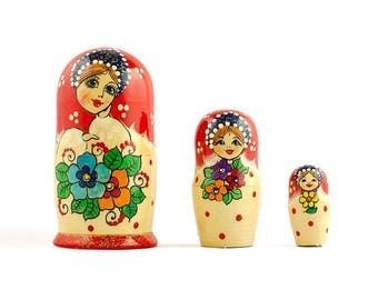 3.5'' Set of 3 Flower Dress Girls Russian Wooden Nesting Dolls Matryoshka