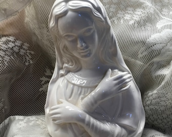 Madonna Figurine, Virgin Mary, Vintage, 1960s, Madonna, Religious Figurine, Madonna Statue, Religious Statue, Vintage Madonna, Figurine