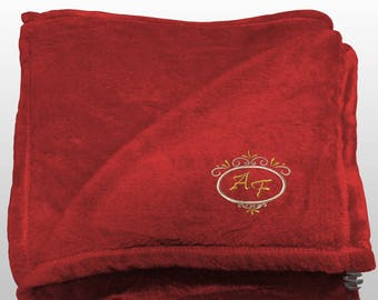 Personalized Multi-use Polar Sofa Bed Travel Fleece Blanket Deluxe - Ref. Dulcelina - Red