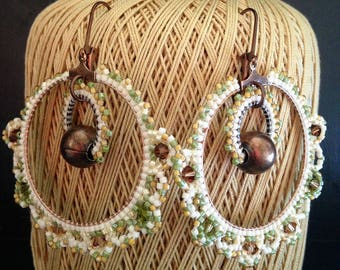 Earrings in pearls Miyuki Délicas / ivory khaki