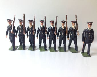 Britains Toy Soldiers Australian Infantry, 1948 Pattern Blue Ceremonial Dress, at Slope with Officer set# 2030