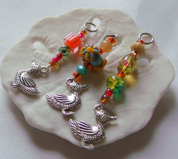 Duck Stitch markers - colorful Easter gift - silver charms - orange beads -  whimsical  -  Osterstrauch decor - Set of 3 - Lizporiginals