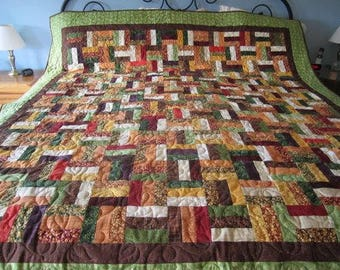 Rail Fence, Full size, Fall Quilt, leaves, Autumn, Brown, Green, gold, burgundy, cream, split rail fence, square, handmade, long arm quilted