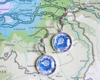 Delfts blauw big flower oorbellen  7 keuzes  Made in  Holland collectie