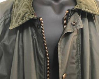 Men's Green Coat WaterProof and wool inside by Woolrich Size XL