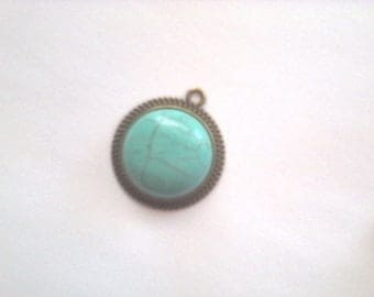 1 round turquoise howlite and brass pendant bronze antique stone 20mm