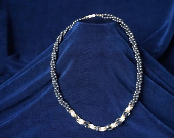 Beautiful hematite and pearls necklace 44cm long or 18in  with heard beads