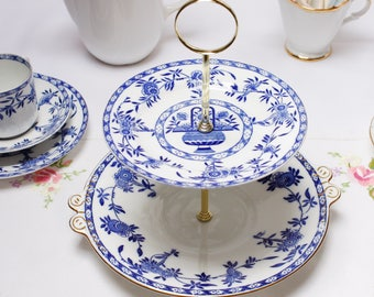 Timeless blue and white English cake stand, dessert stand/ cake stand, china party stand. Clean and crisp design.