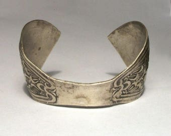 Egyptian Cuff Bangle Etched Silver Small Child Size Grape Vine Engraved Unusual Ethnic Tribal Bracelet