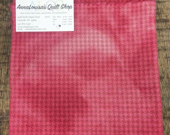 Hand-dyed Wool Fat Quarter -- Raspberry Houndstooth -- FQ816